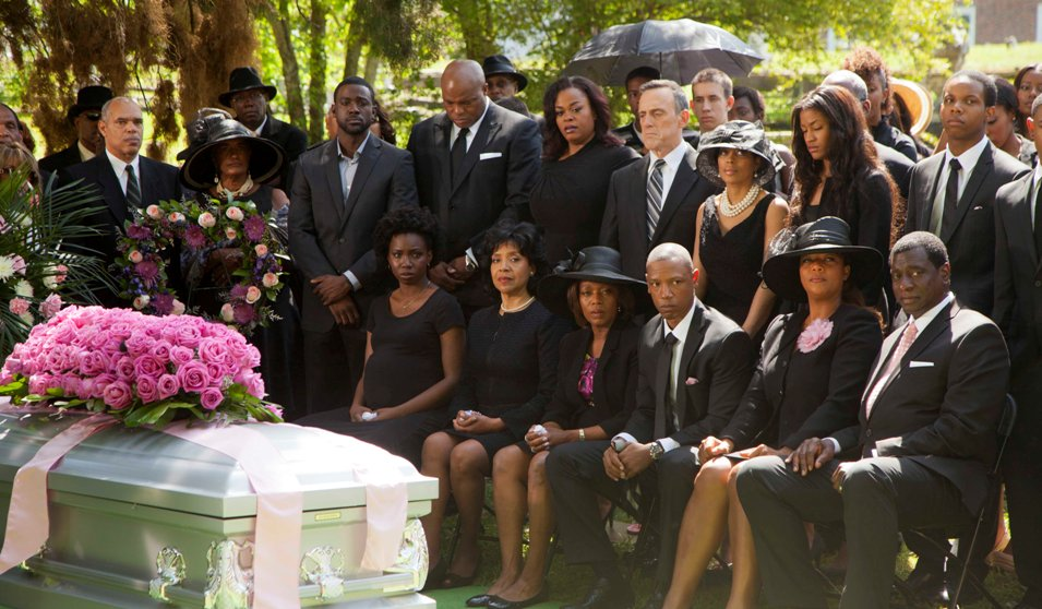 "From left, Phylicia Rashad (""Clariee""), Michael Beasley (""Spud""), Jill Scott (""Truvy""), Phylicia Rashad (""Clariee""), Alfre Woodard (""Ouiser""), Tory Kittles (""Jackson""), Queen Latifah (""M'Lynn"") and  Afemo Omilami (""Drum"") star in the all-new Lifetime Original Movie, Steel Magnolias."