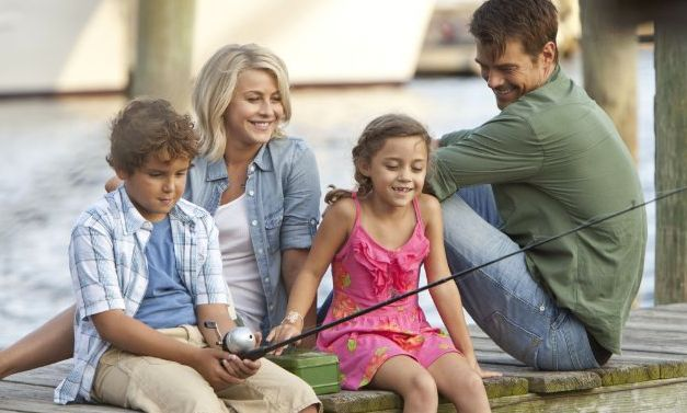 From left, Noah Lomax, Julianne Hough, Mimi Kirkland and Josh Duhamel star in the movie &quot;Safe Haven.&quot;